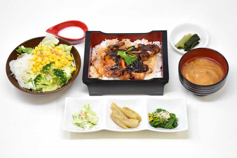 信州福味鶏照焼重の写真