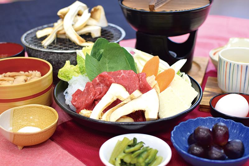 松茸と焼ききのこ御膳の写真